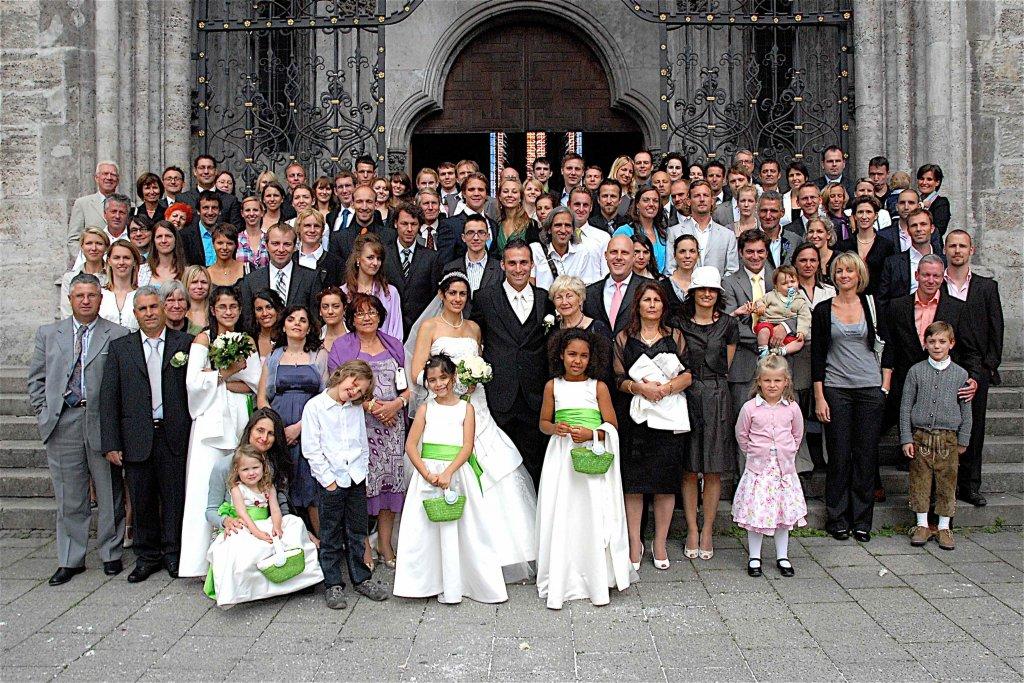 Gruppenbild-Hochzeit-1024x683